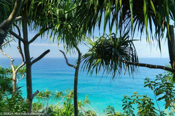 Strandhochzeit und Hochzeitsfotos vielleicht auf Hawaii, Kauai?